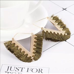 !!NEW!! Olive & gold tassel fringe earrings!! 😍